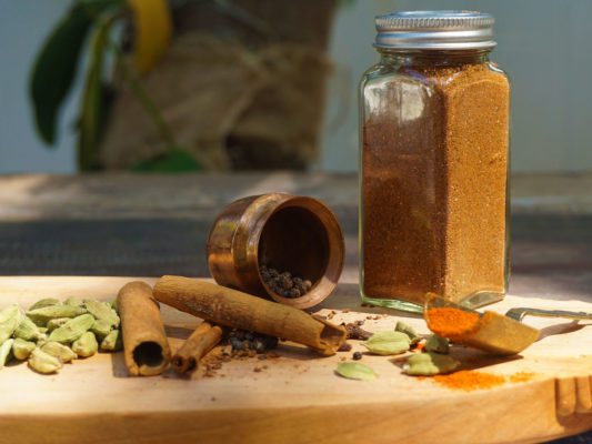 warm and sweet sattvic spice mix; positive pranic food seasoning; finishing sattvic spice mix